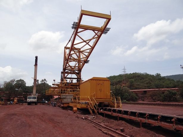 mining-856018_640