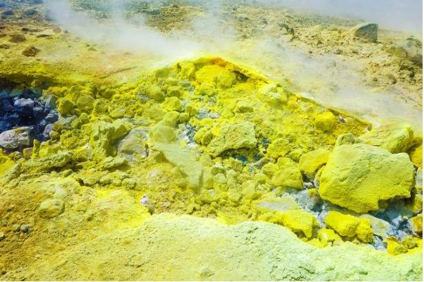 o-elemento-quimico-enxofre-um-calcogenio-muito-utilizado-nas-industrias-55ba74704fff7 (2)