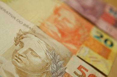 dinheiro-marcos-santos-usp-imagens-390x257.jpg