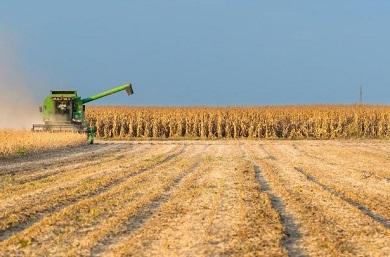 colheita-soja-lavoura-plantacao-agricultura-commodities-silos-390x257.jpg